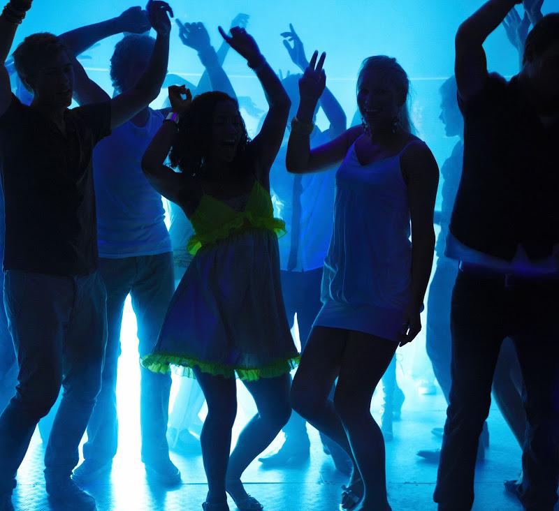 Как танцевать на дискотеке фото правило